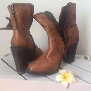 Earla Boots 7.5